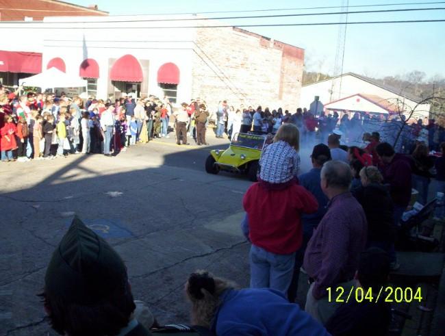 Parade 2004 look at him smoking them tires.