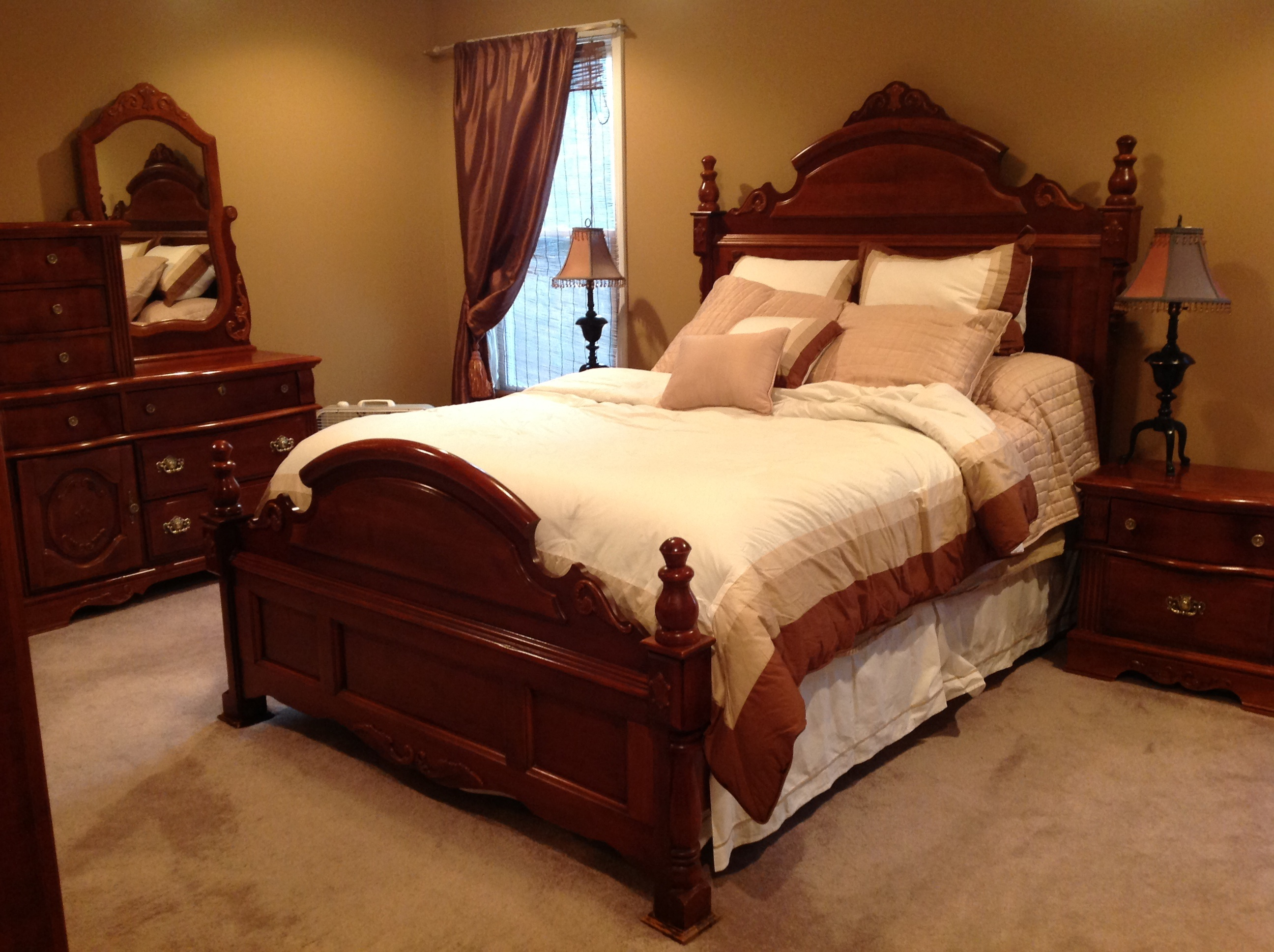 queen bedroom suite cherry finish got the goods