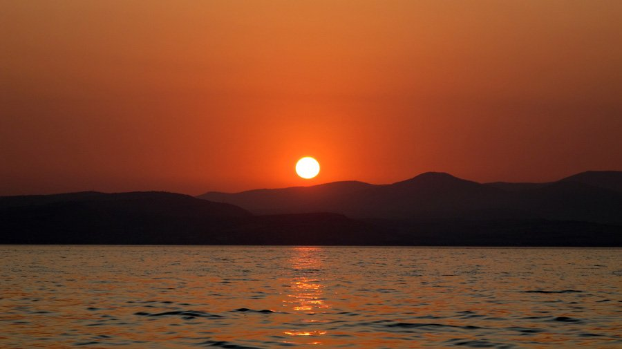 lake_Kinneret_Sea_of_Galilee_sunset_1.jpg