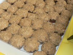 Yessss...German Chocolate Cubcakes.JPG