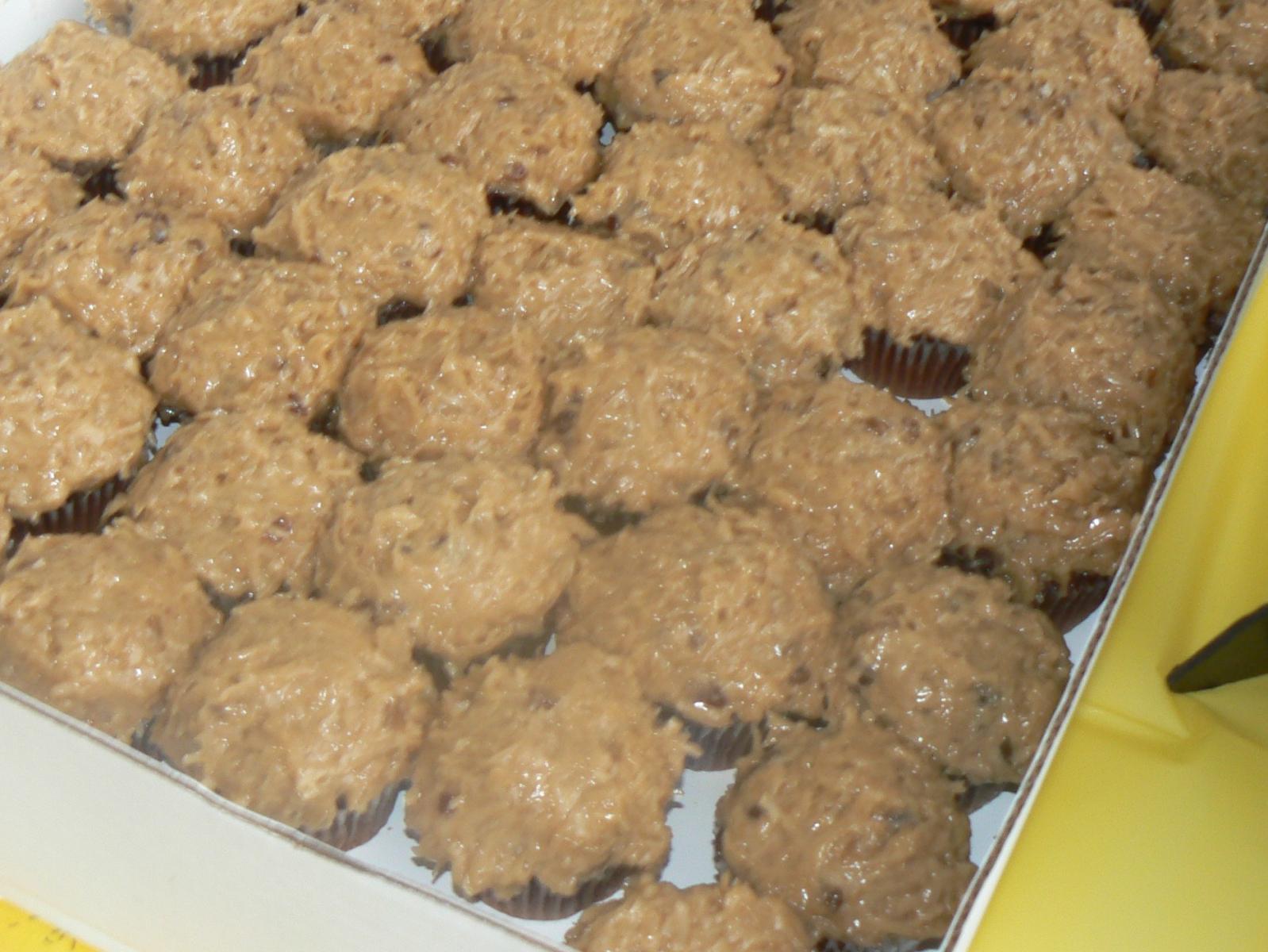 Yessss...German Chocolate Cubcakes.JPG