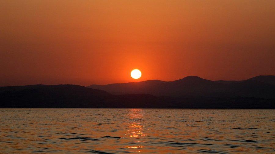 lake_Kinneret_Sea_of_Galilee_sunset_1.jpg