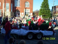 Parade 2004 Look everyone its Santa and Ms.Claus,Merry Chris